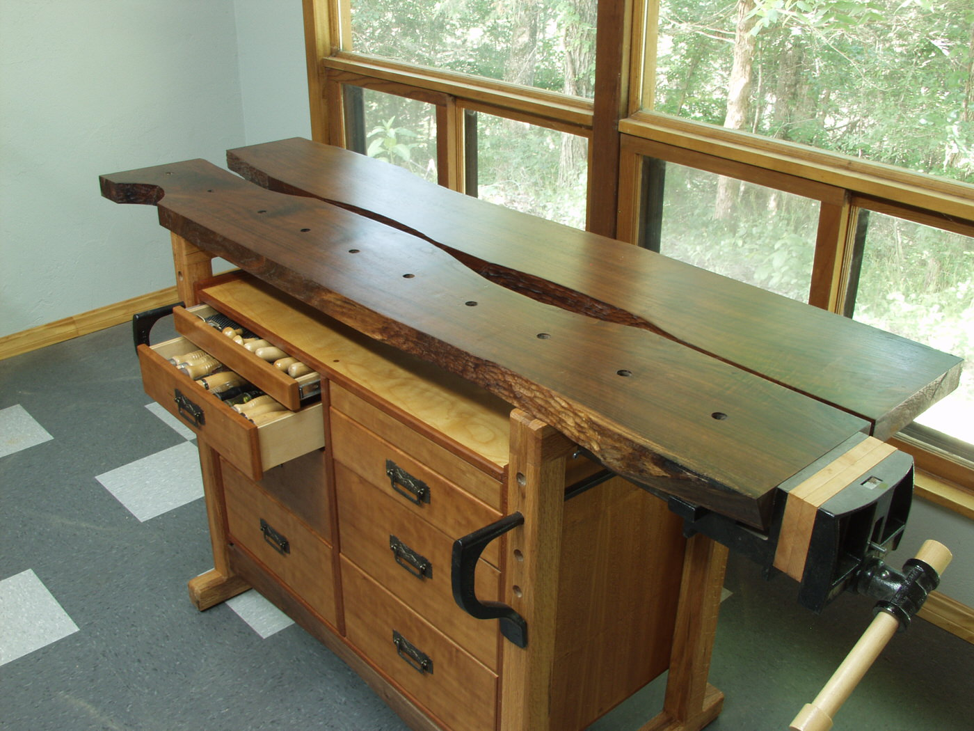 Doug's Walnut and Cherry work bench